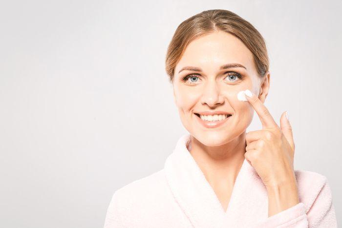 Które kremy do skóry nadwrażliwej wybrać?