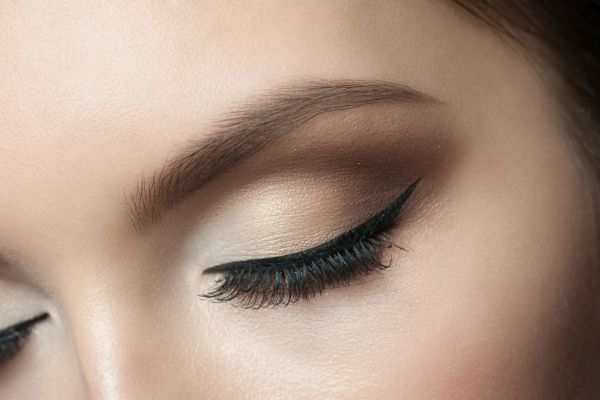 Jak wykonać idealne smoky eyes?