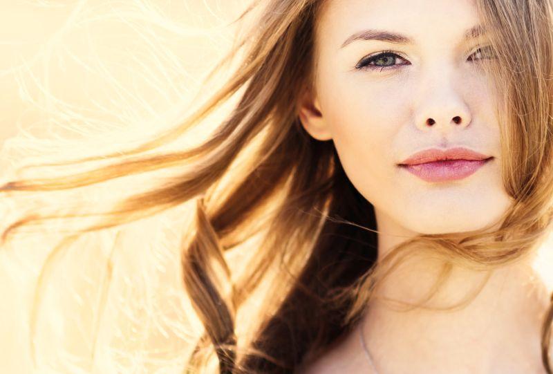 Jak malować oczy w kształcie migdała? Przedstawiamy 3 propozycje codziennego make-upu
